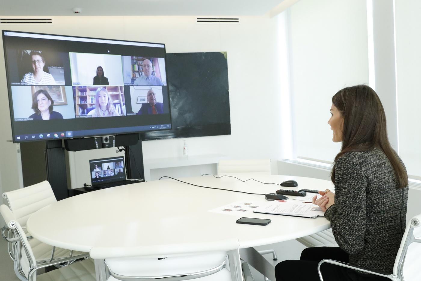 videoconferencia entre la reina y FIAPAS
